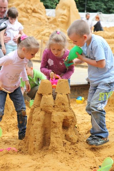 «Мой дом - Москва» - детский чемпионат песчаных скульптур в Сокольниках